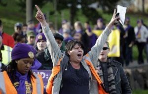 AP Photo/Elaine Thompson